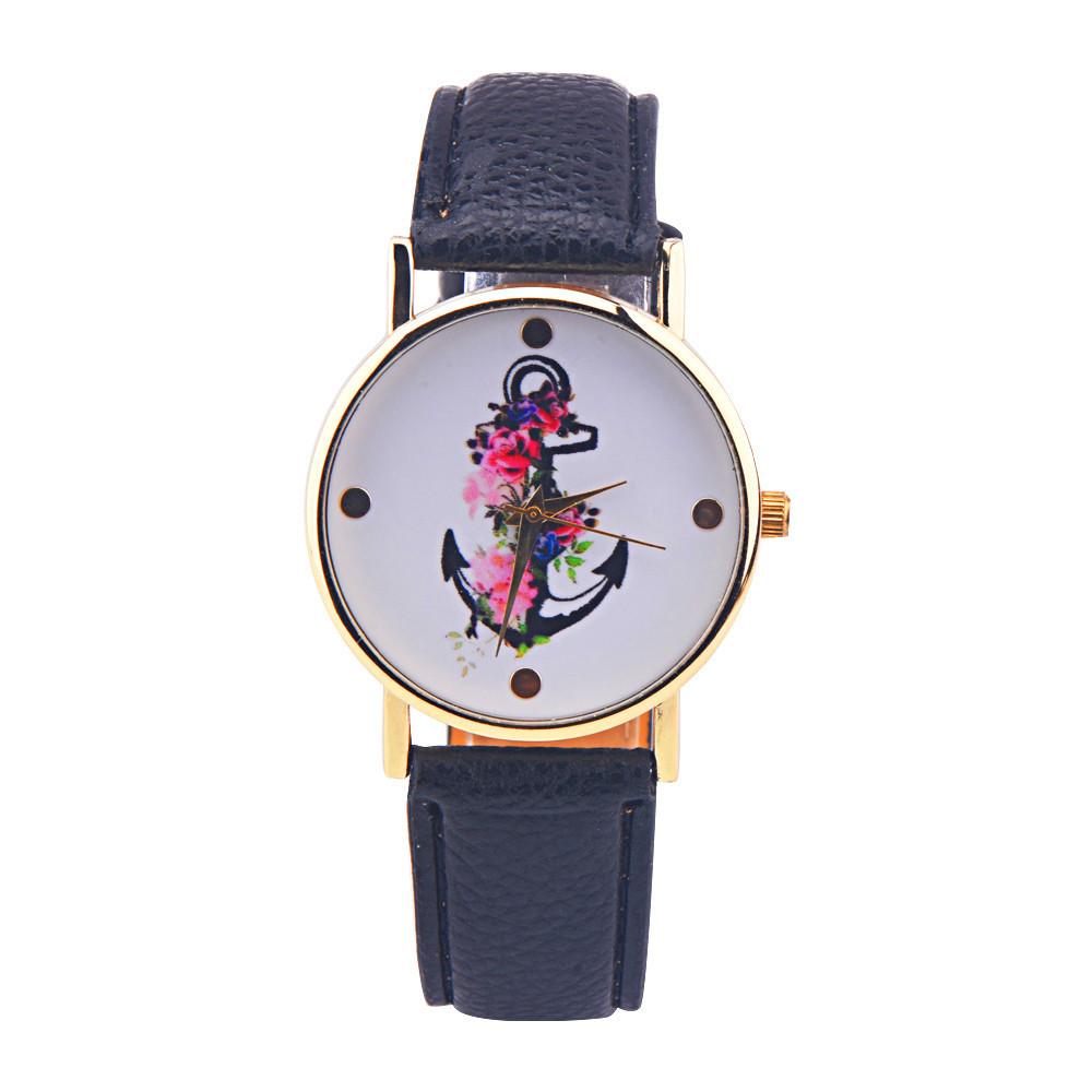 Женские часы с черным ремешком