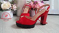 Женские босоножки на каблуке красные