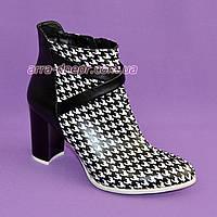 """Женские демисезонные ботинки на высоком каблуке, натуральная кожа черного цвета и кожа """"гуси"""". 39 размер"""