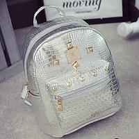 Стильный женский рюкзак с заклепками , фото 1