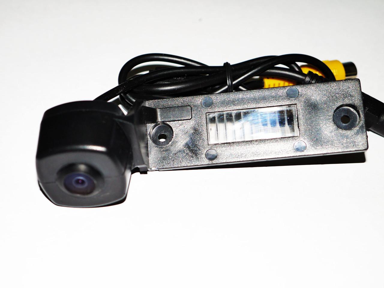 Камера заднього виду Passat