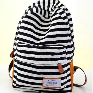 Стильный рюкзак для города в полоску