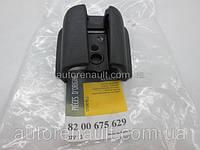 Заглушка направляющей рейки левой раздвижной двери на Рено Трафик 01-> — Renault (оригинал) - 8200675629