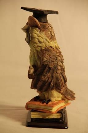 Статуэтка сова на книге Выпусник в академической шапочке 091201B , фото 2