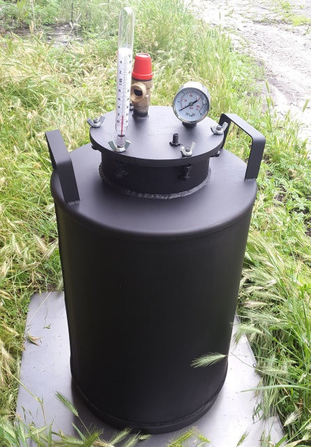 Автоклав бытовой 10 литровых банок или 24 пол-литровых окрашенный металл