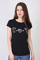 Хлопковая футболка женская в черном цвете с белым рисунком