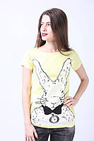 Милая повседневная футболка с рисунком желтого цвета