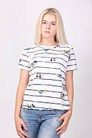 Молодежная футболка под джинсы в полоску и рисунком Микки Маус