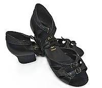 Туфли для танцев  детские блок каблук черные 23,5 р (37р)