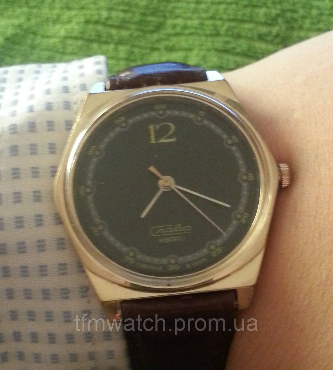 Слава кварц наручные кварцевые часы СССР -  Магазин старинных, винтажных и антикварных часов TFMwatch в России