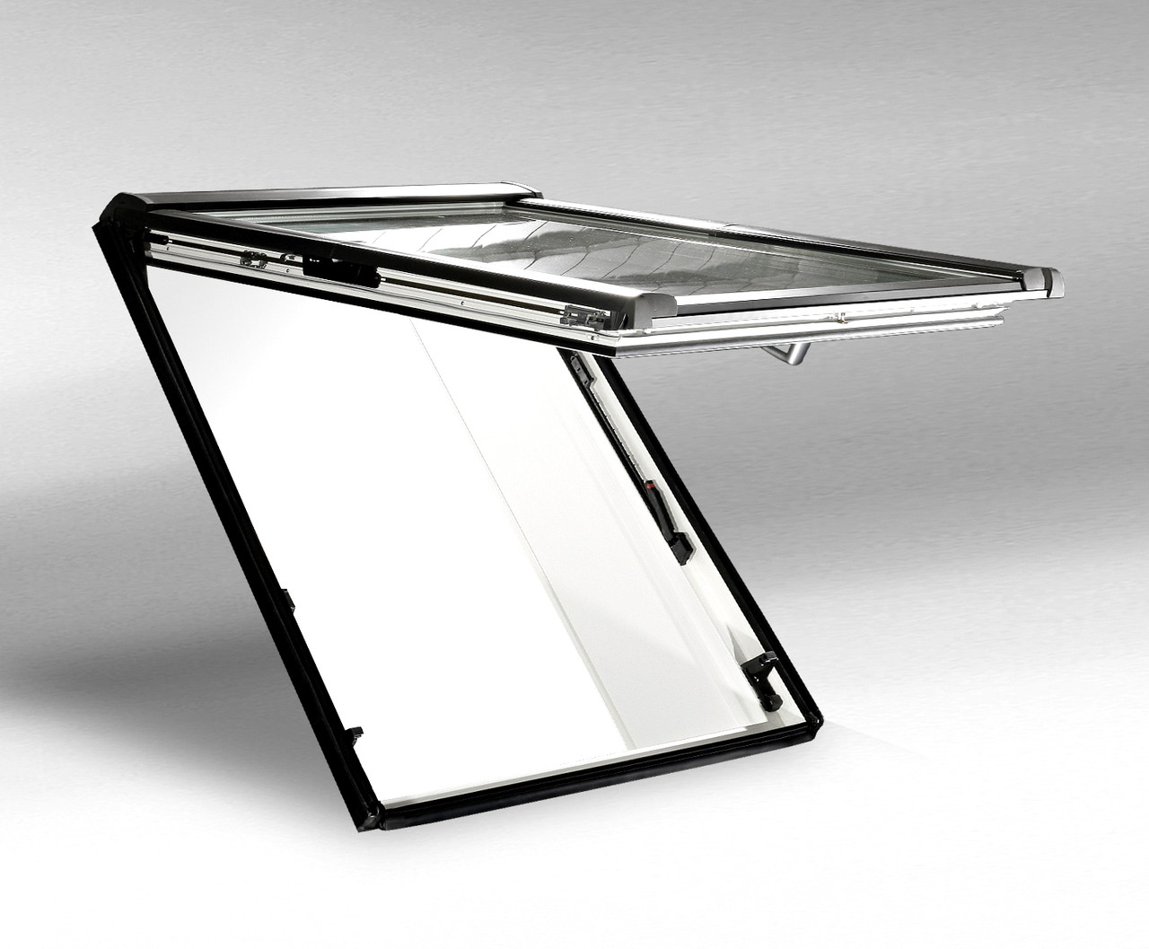Мансардне вікно Roto Designo R8 з поворотно-відкидною стулкою 740х1180мм дерево