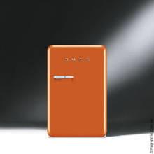 Отдельностоящий однодверный холодильник стиль 50-х годов 54,3 см Smeg FAB10RO