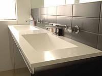 Почему акриловый камень идеально подходит для ванной комнаты?