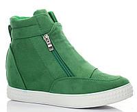Очень модные  сникерсы зелёного цвета из эко замша