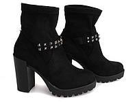 Женские ботинки на удобном, толстом каблуке