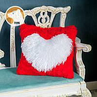 Декоративная подушка с сердцем