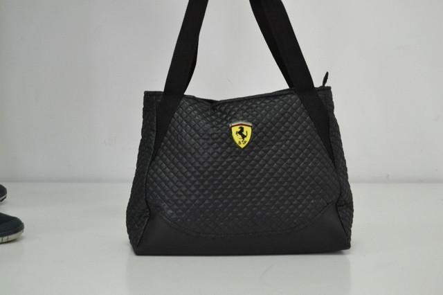 a976a36e1a37 Женская спортивная городская сумка Ferrari (артикул 013571) квадратной  формы.