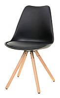 Стул пластиковый М-02 черный, сиденье с мягкой подушкой и деревянные буковые ножки  Eames Style