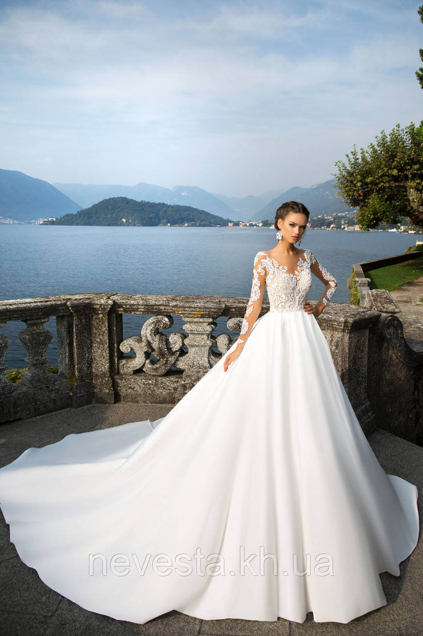 eeecad05ddd Свадебное платье атлас юбка с пуговичками - Свадебные платья
