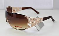 Модные солнцезащитные женские прямоугольные очки с крупной ажурной дужкой