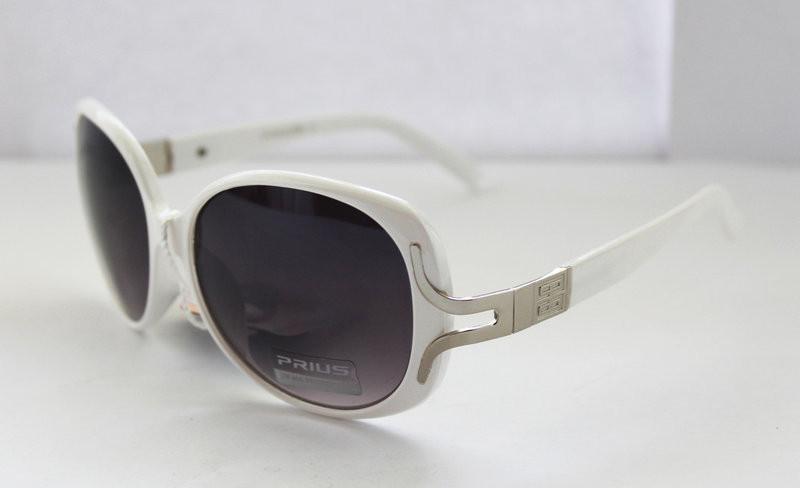 Прямоугольные солнцезащитные очки для любительниц перфекционизма