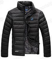 Мужская куртка NIKE черная размер L маломерка