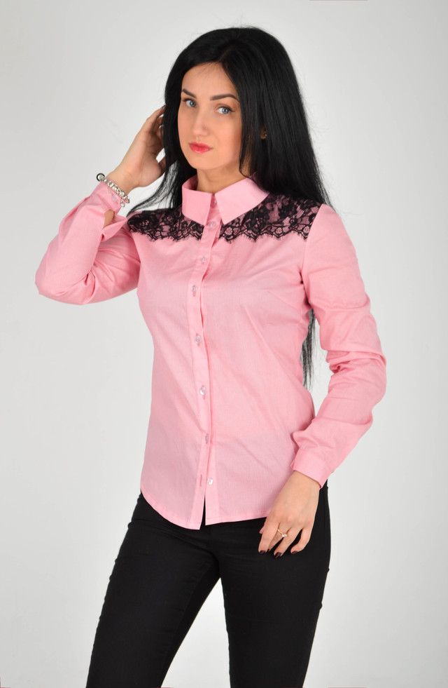 328b8872149 Главное из преимуществ женской рубашки изящно продемонстрированные женские  формы.Точная посадка в области груди и талии создает точные очертания  силуэта.