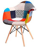 Стул с подлокотниками M-02 patchwork лоскуты, деревянные буковые ножки Charles Eames Style, в стиле лофт