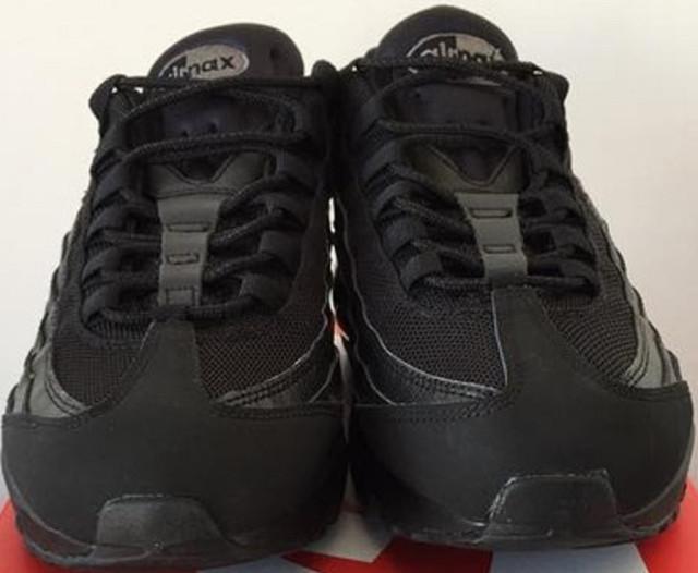 c2af15c8 Мы предлагаем кроссовки Nike Air Max 95 Triple Black. Производитель  позиционирует их как кроссовки для занятия бегом, однако они прекрасно  подходят и для ...