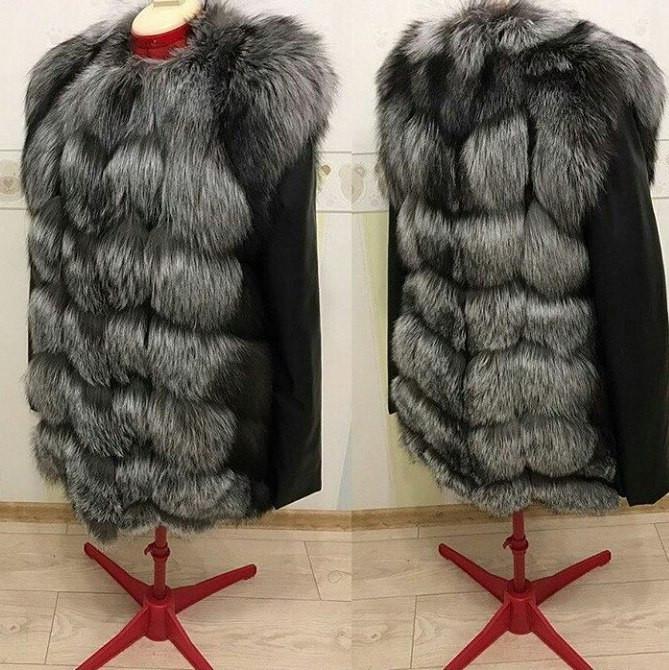 Женская куртка с натуральным мехом чернобурки длина 70 (243)
