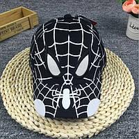 Кепочка с пауком.