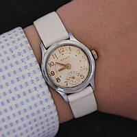 Уран небольшие наручные механические часы СССР
