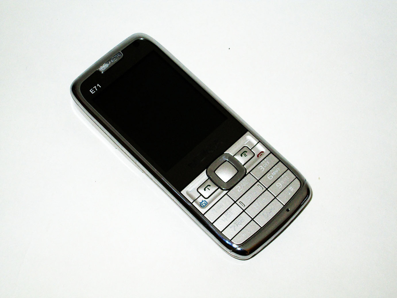 "Телефон Nokia E71 mini TV (копия) - 2,2"" -  2 sim - Fm - Bt - Camera"