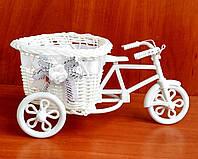Велосипед  для цветов белый