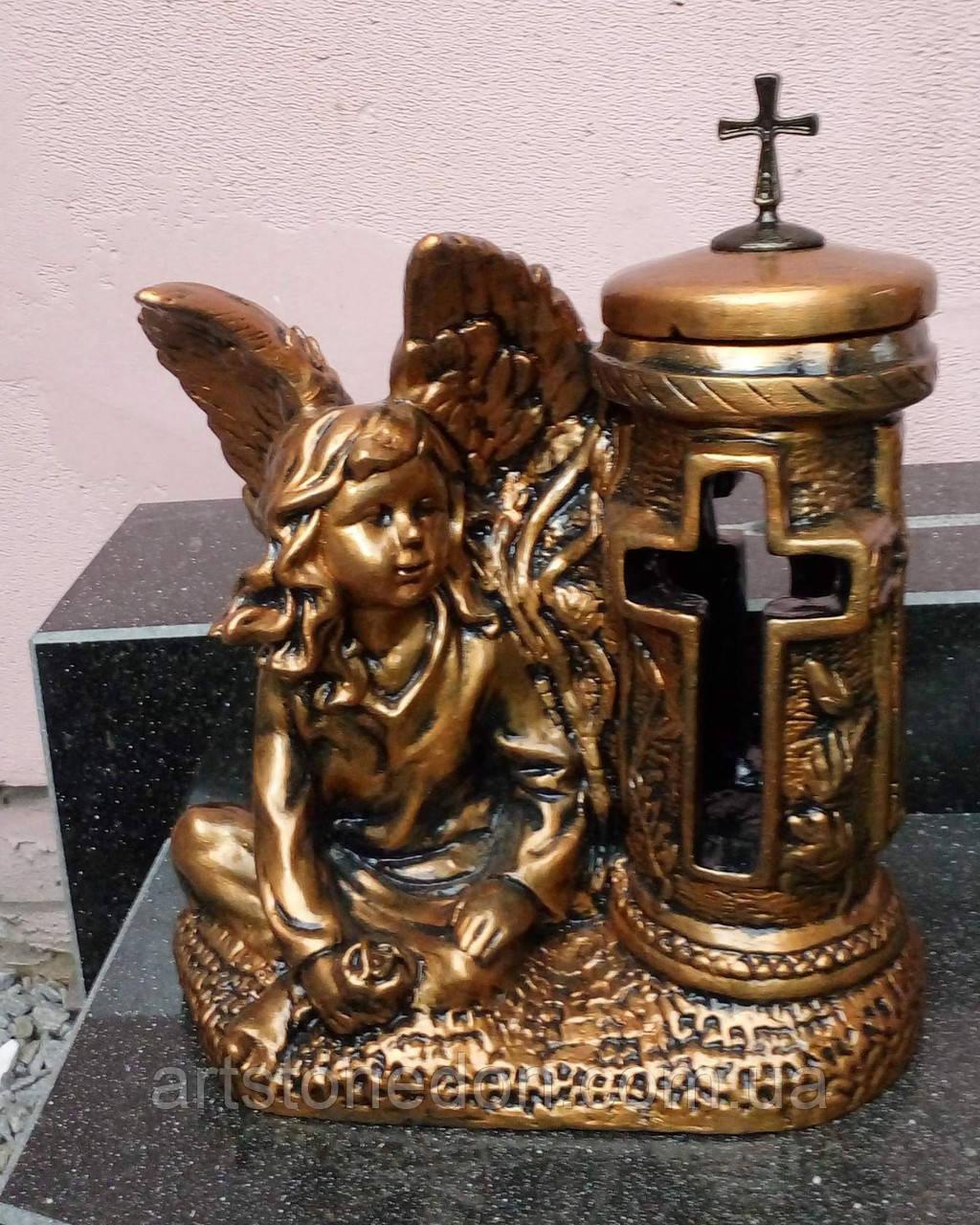 Подсвечник-ваза из белого бетона с ангелочком №3 бронза