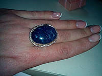 Кольцо с натуральным камнем лазурит в серебре.