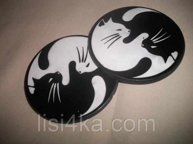 Мини-набор деревянных подставок под чашки с кошками