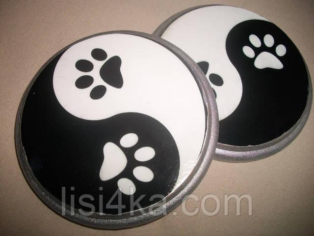 Мини-набор деревянных подставок под чашки с кошачьими лапкпми