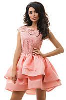 Женское короткое платье с гипюром
