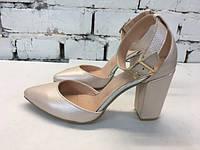 Женские туфли на толстом каблуке,замша