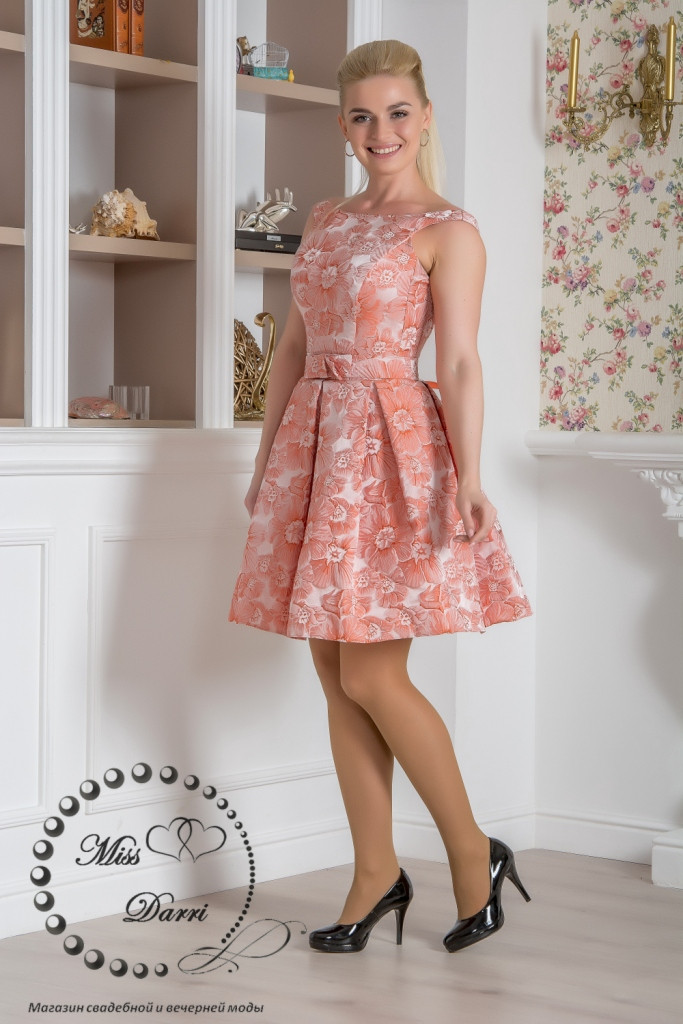 Вечірня сукня з жакарда