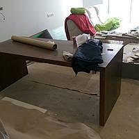 Дизайнерский П-образный стол из дерева
