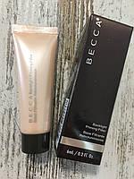 Праймер для бесподобного свечения кожи Becca Backlight Radiance Priming Filter