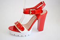 Женские босоножки на высоком каблуке выпускной красные