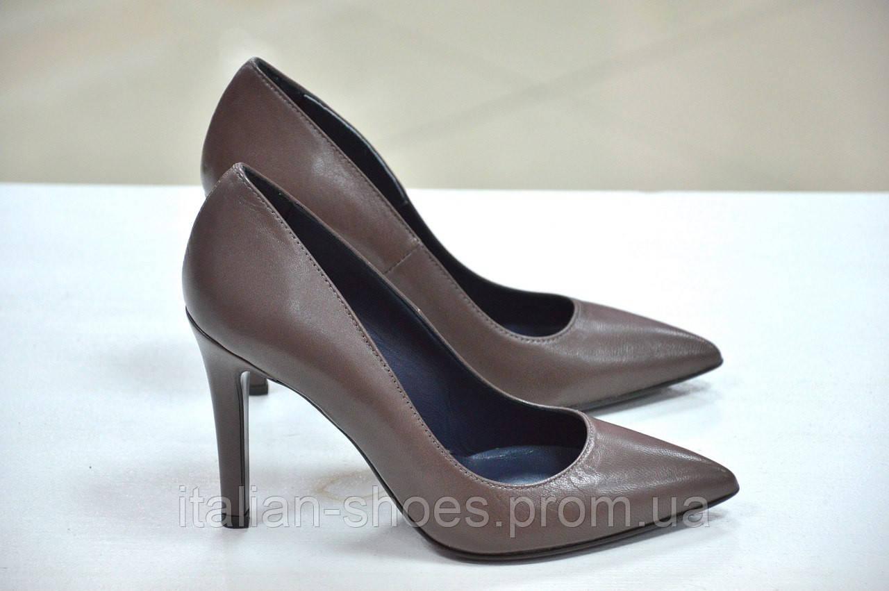 Женские кожаные коричневые туфли лодочки Reset на каблуке 9.5см цвета капучино