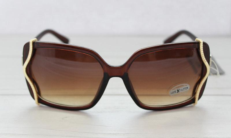 Изящные солнцезащитные женские очки прямоугольной формы