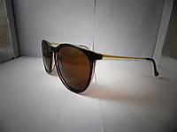Модные солнцезащитные очки  коричневые