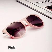 Модные солнцезащитные очки, в розовой оправе