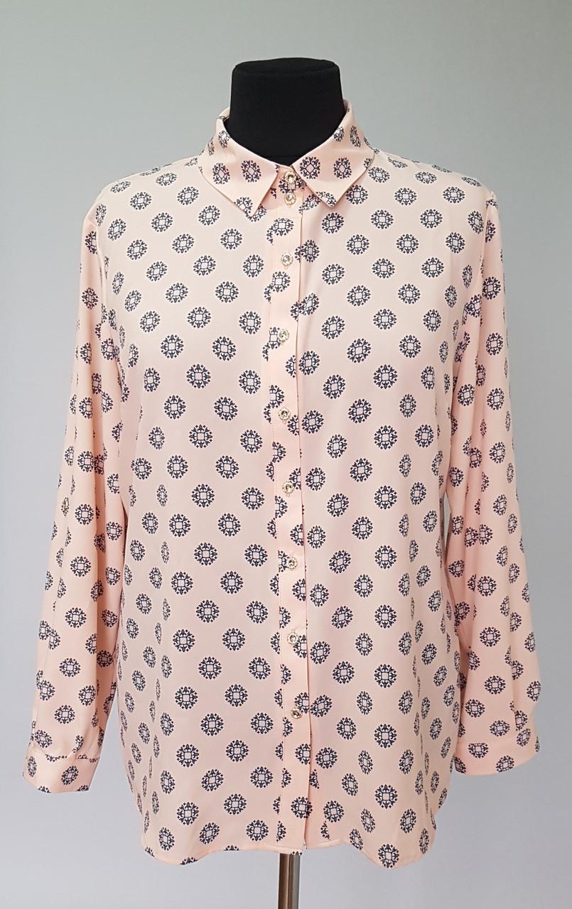 Женская рубашка из тонкой ткани с длинными рукавами