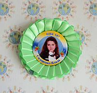 Наградная розетка салатовая со значком для выпускника